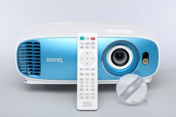 BenQ TK800 Projektor mit Fernbedienung