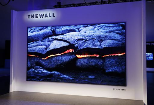 "146 Zoll MicroLED TV ""The Wall"" von Samsung"