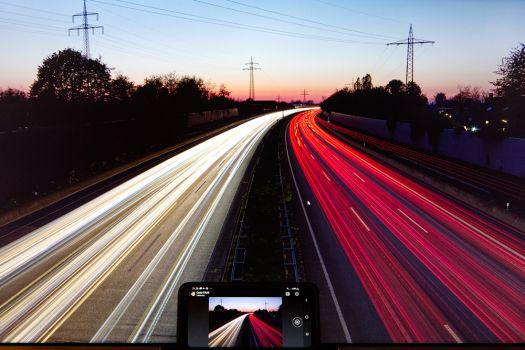 Kalibrierungsergebnis auf Smartphone und Monitor