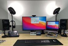Schreibtisch mit Monitor-Setup