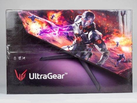 Gewohnt martialisch gestaltete Umverpackung der Gaming-Displays von LG